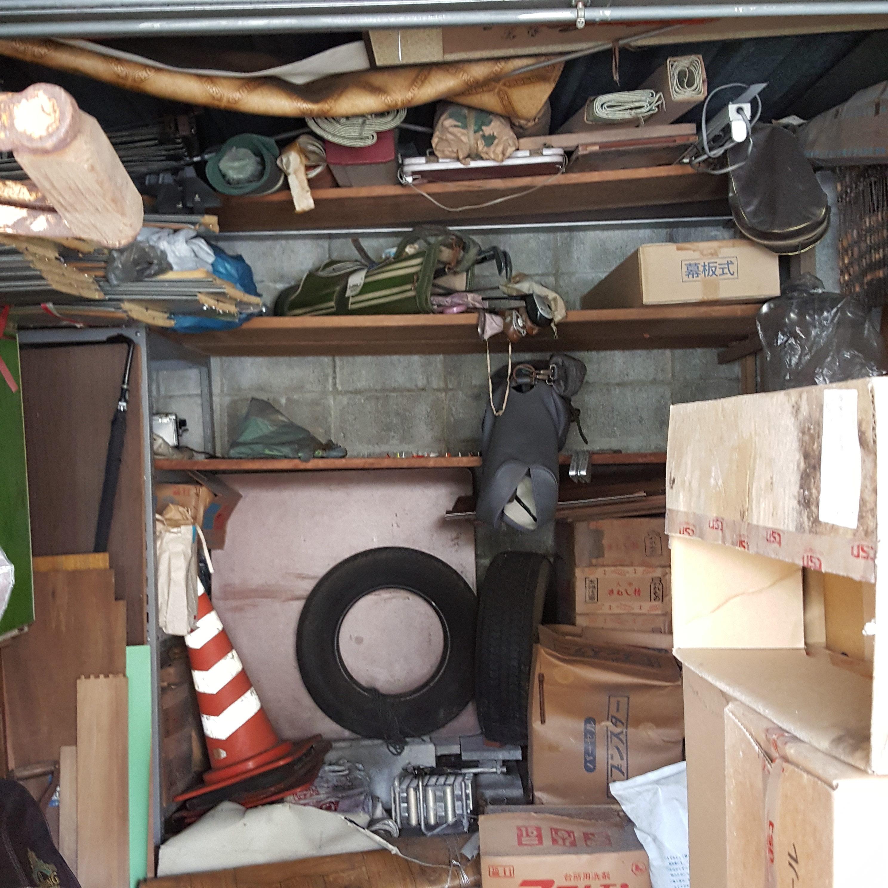 埼玉県新座市  倉庫内片付・タイヤとその他全て回収