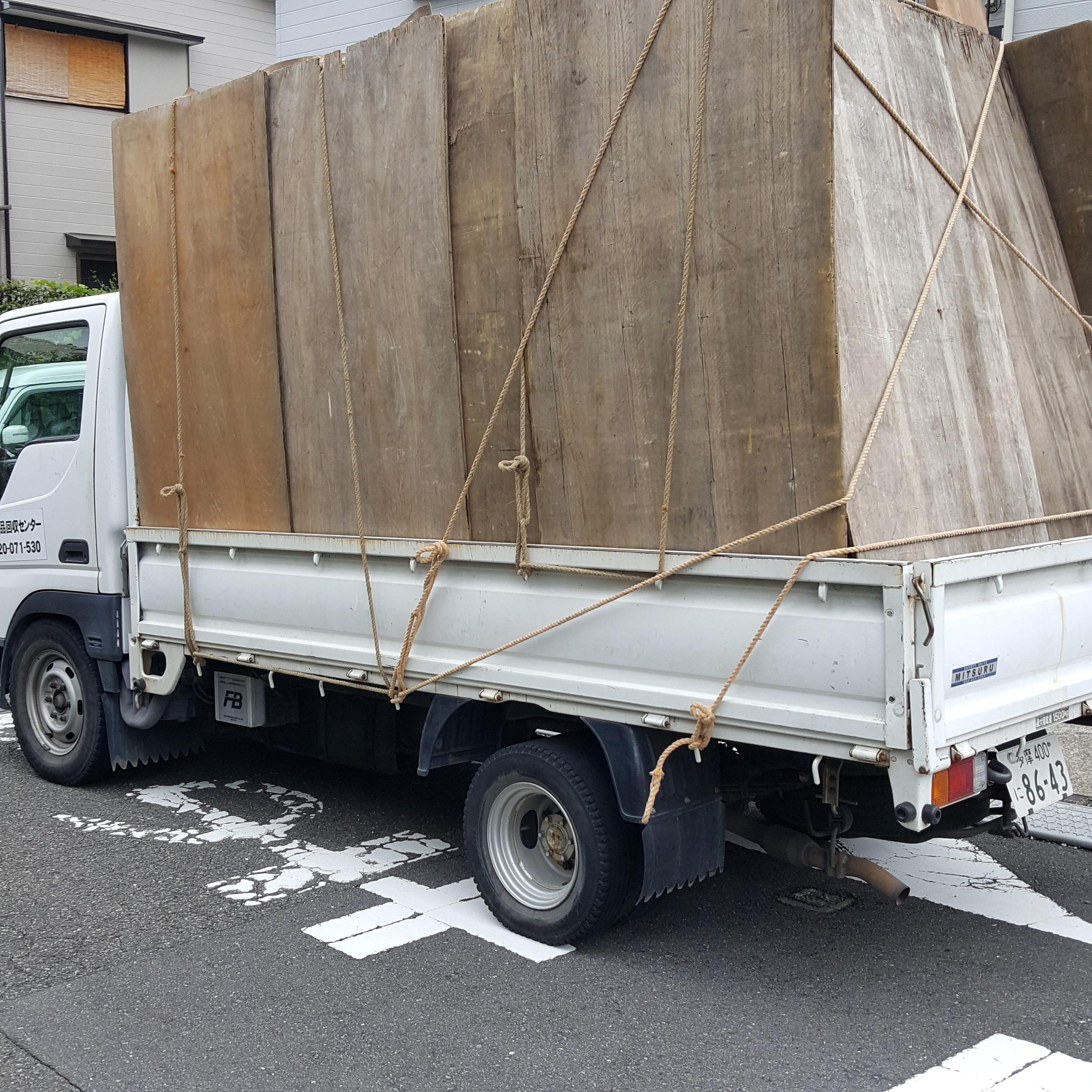 神奈川県相模原市 2DK階段3階ごみ屋敷の片付け