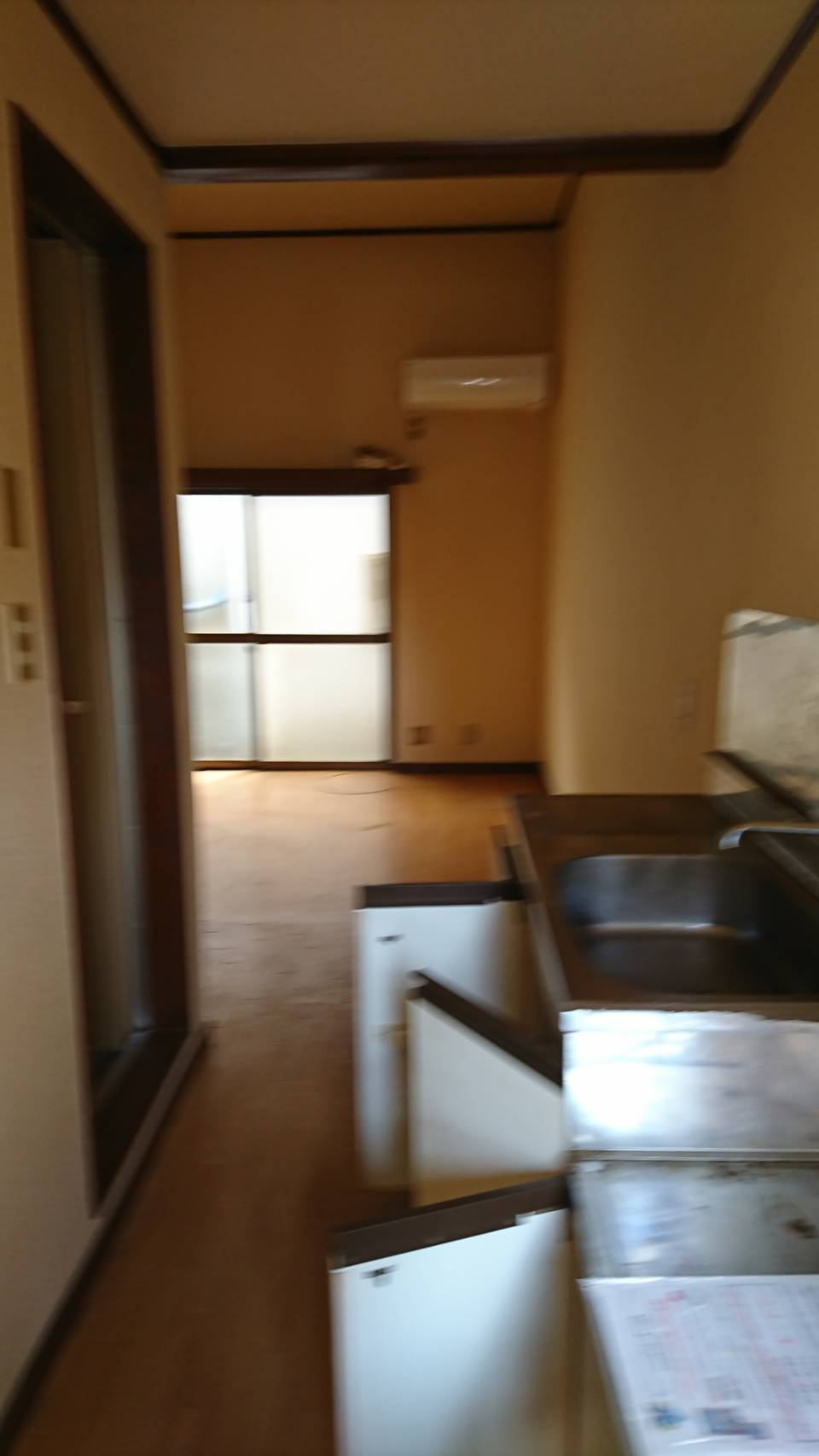 東京都東久留米市  アパート1K不要品(冷蔵庫、洗濯機、調理用品、洋服、洗剤などの生活用品、布団一式など)回収