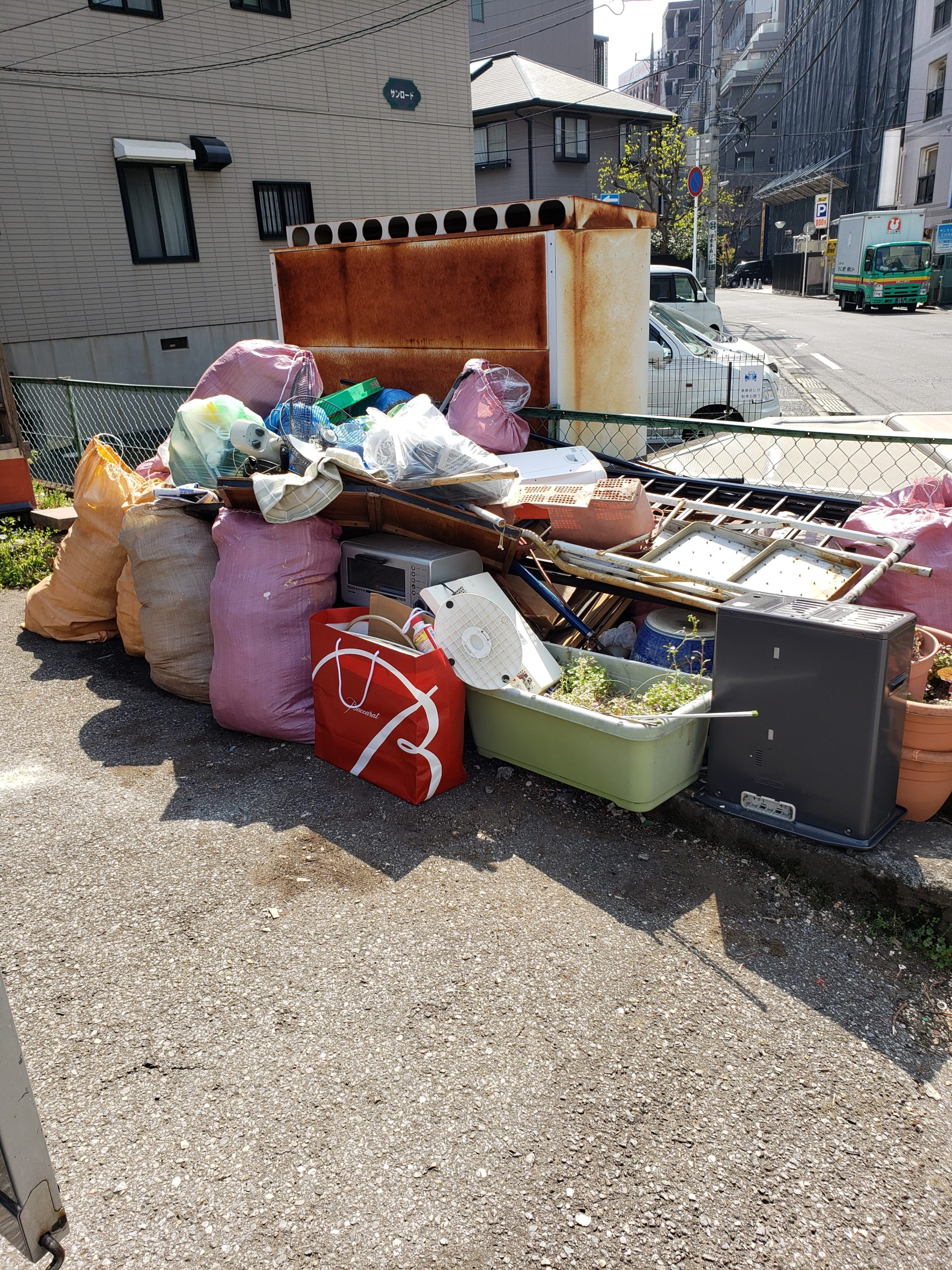 東京都福生市 団地残置物の不用品回収