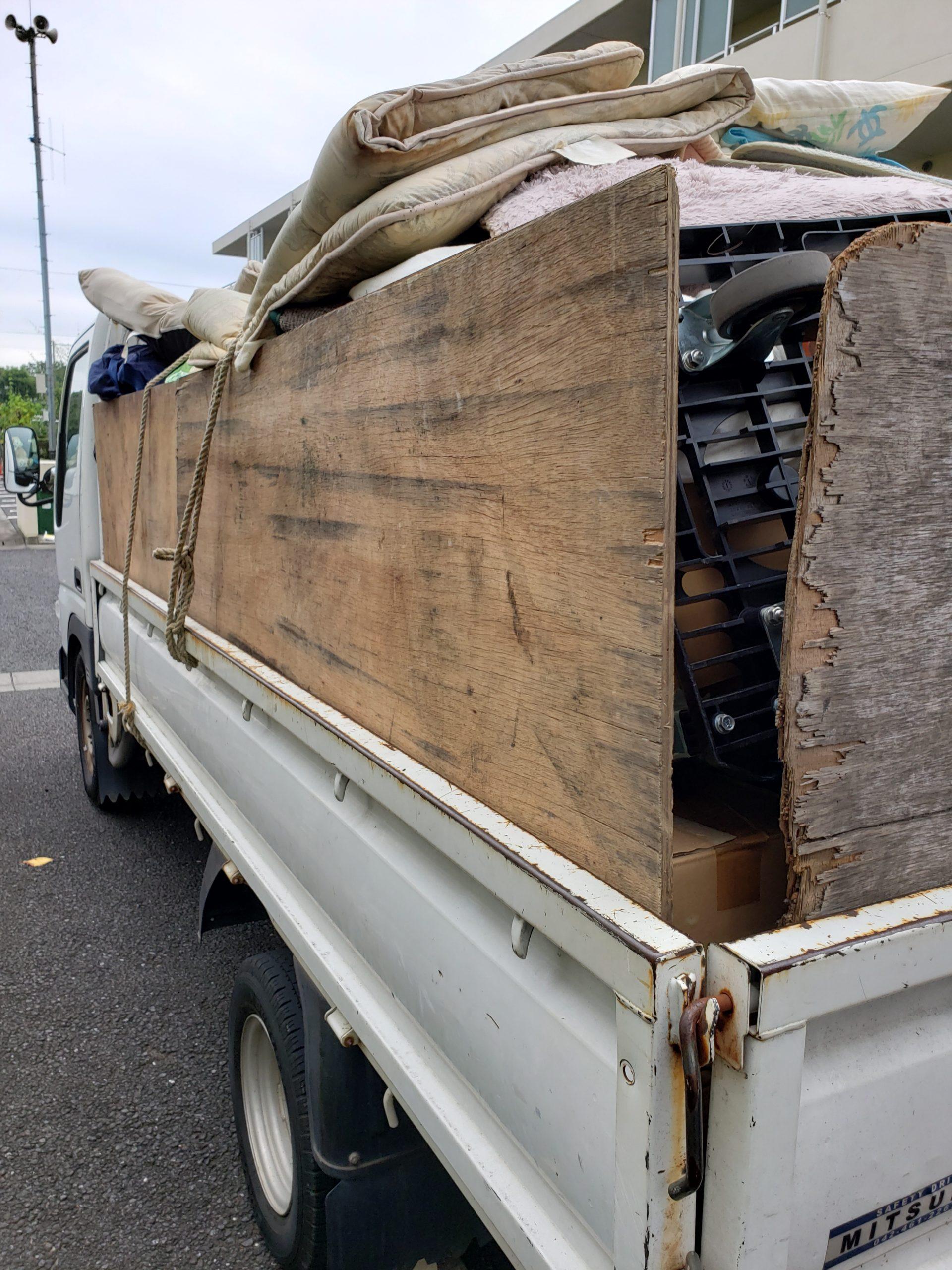 東京都東久留米市 ゴミ屋敷残置物の回収