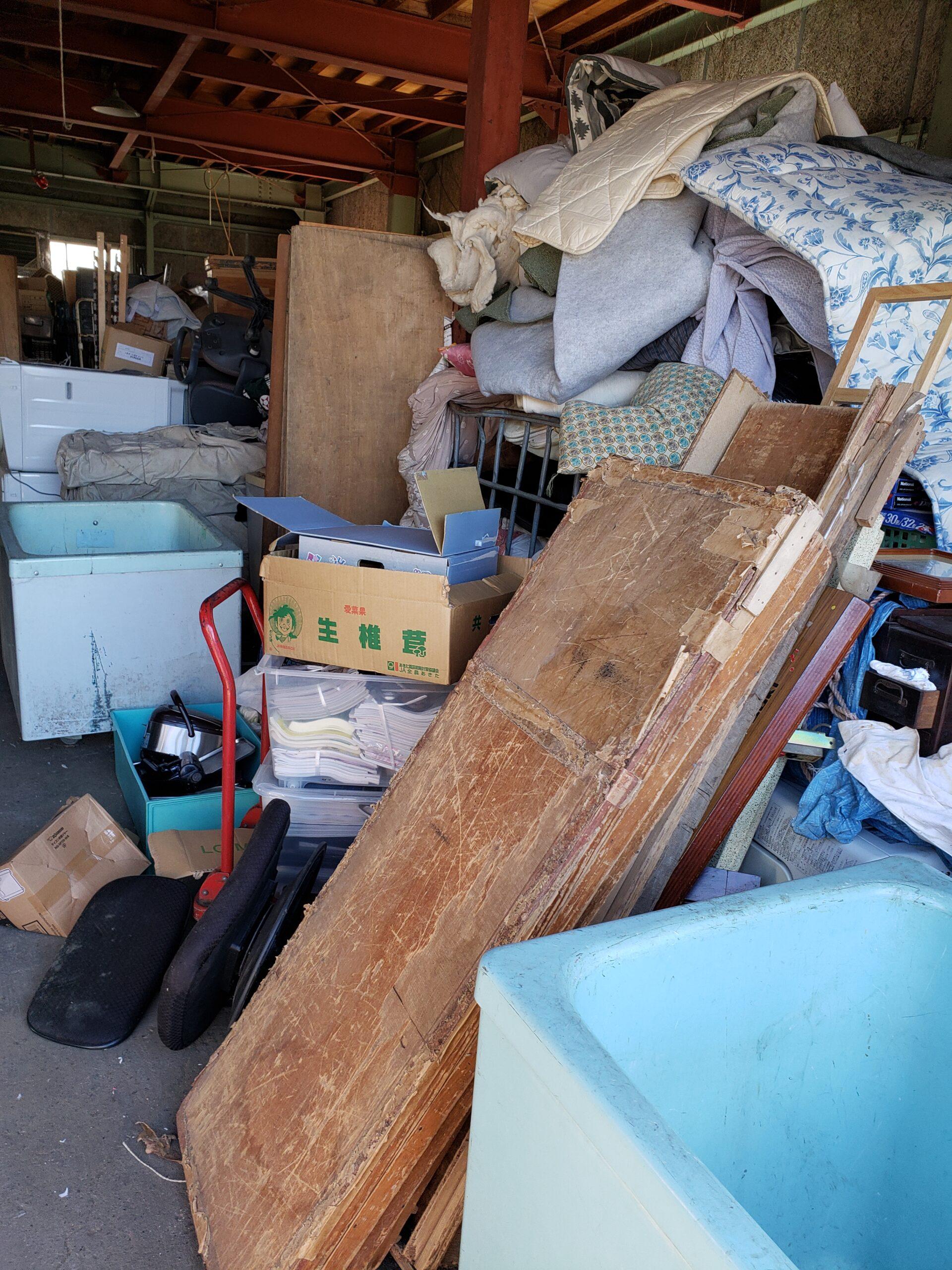東京都府中市 ガレージ倉庫の不用品回収